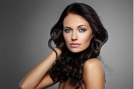 Quelle coloration choisir pour des cheveux bruns ?