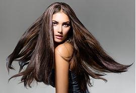 Idées de coiffures pour Noël si l'on a les cheveux longs
