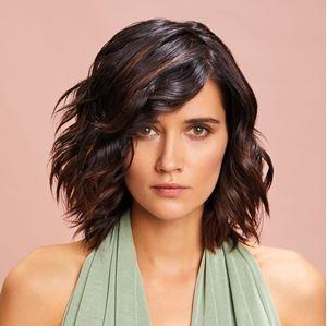 Les cheveux ondulés